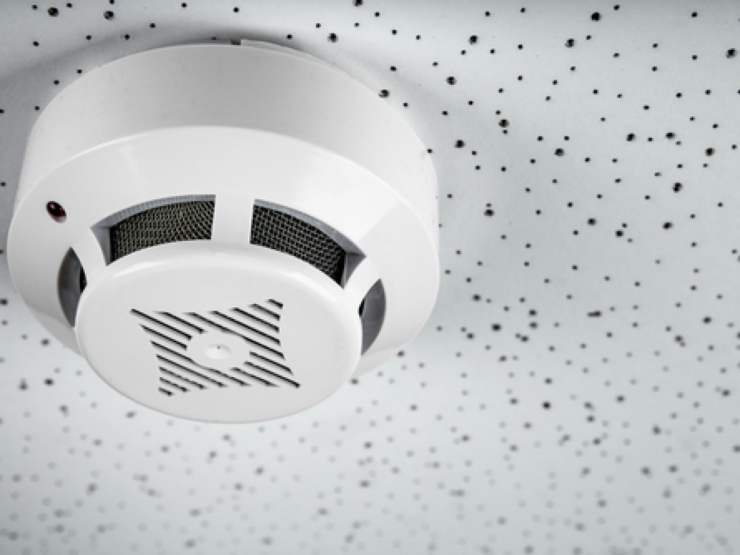 It's Time to Replace Your Smoke Detector